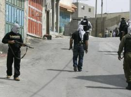 إصابات في اشتباكات مسلحة بين مقاومين وجنود الإحتلال ببلدة اليامون قضاء جنين